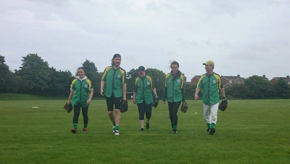Sliders Team Walking (2014)